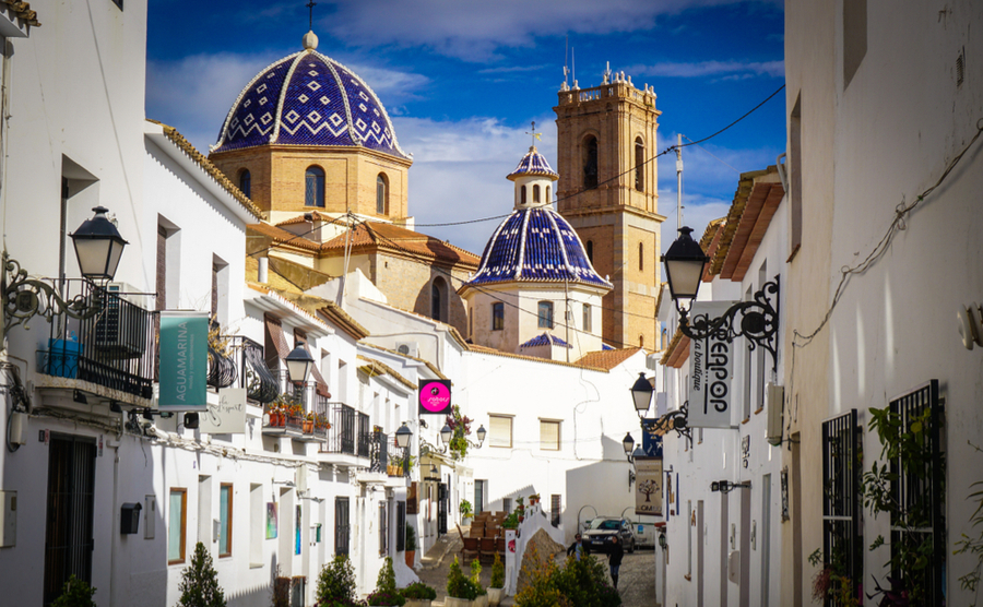 Altea has retained its authentic Spanish charm despite its popularity.
