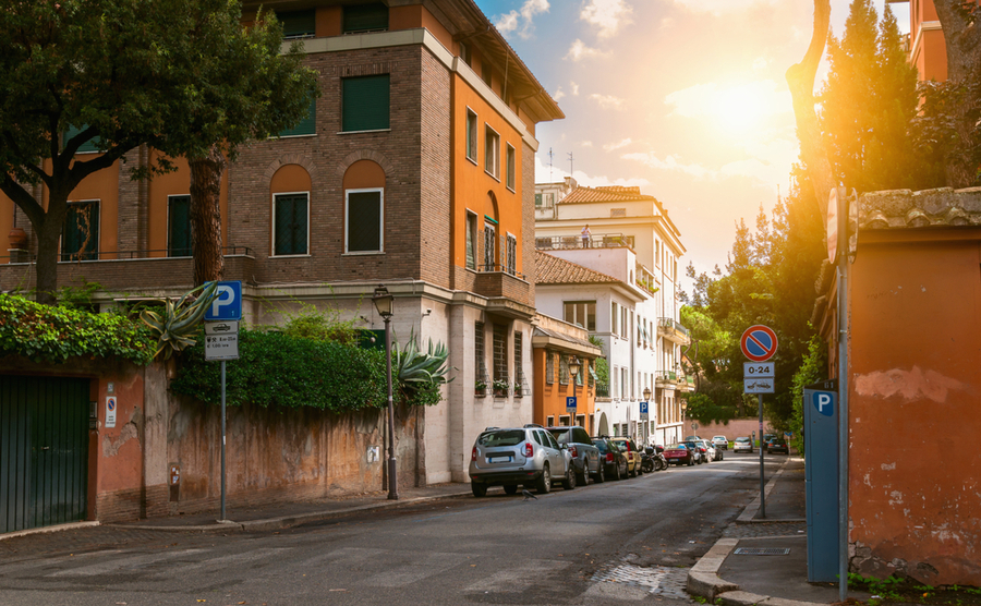 The Aventino hill offers a quiet location right in the heart of the city.