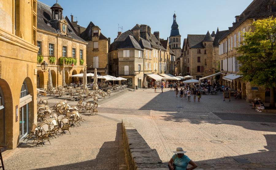 The Place de la Liberté in Sarlat-la-Canéda. wjarek / Shutterstock.com